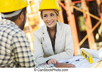 vrouwlijk, bouwsector, architect, arbeider