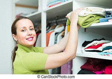 vrouwlijk, kies, kleding, op, winkel