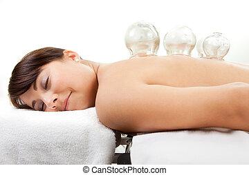 vrouwlijk, krijgen, acupunctuur, cupping, behandeling