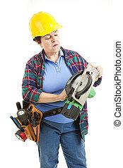 vrouwlijk, zaag, arbeider, verstelt