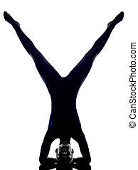 vrschikasana, mulher, ioga posa, escorpião, exercitar, silueta
