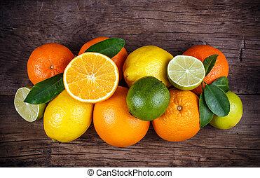 vruchten, op, hout samenstelling, achtergrond, met, ruimte, voor, text.