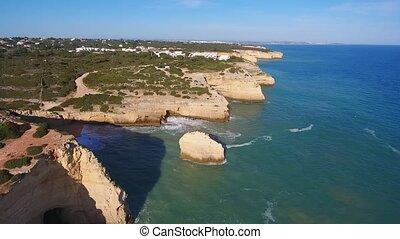 vue, aérien, benagil, plage, pris, célèbre, quadrocopter., ...