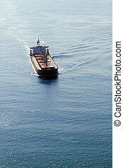 vue aérienne, de, bateau, sur, océan