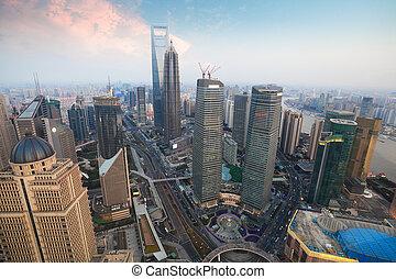 vue aérienne, de, shanghai, à, crépuscule