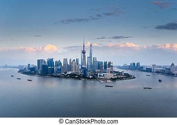 vue aérienne, de, shanghai, horizon, à, crépuscule