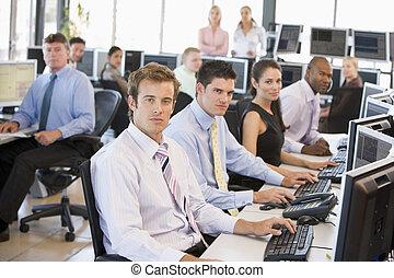 vue, de, occupé, commerçants stock, bureau