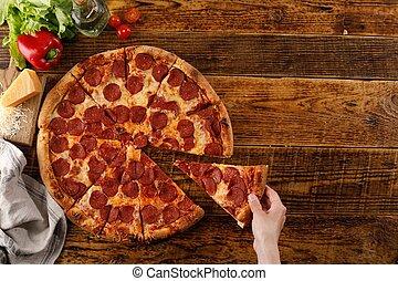 vue., ingredients., pepperoni, encore, pizza, main bois, table., vie, sommet