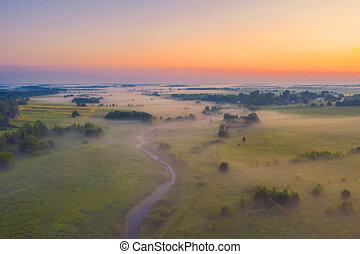 vue, rivière, soir, forests., prés, brumeux, petit, aérien, paysage, vallée