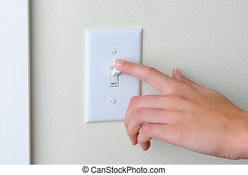 vuelta, interruptor, mujer, de, luz