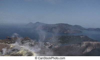 Vulcano crater 01