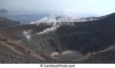 Vulcano crater 04