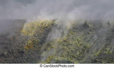 Vulcano fumarole 13