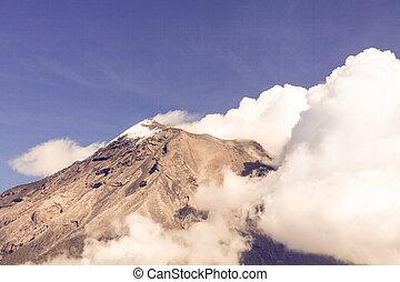vulkán, tungurahua, kráter