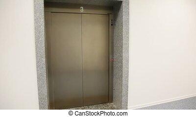 vuoto, ascensore, viene, su, pavimento, porte, aperto, e,...