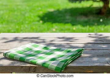 vuoto, legno, tavola giardino, con, tovaglia
