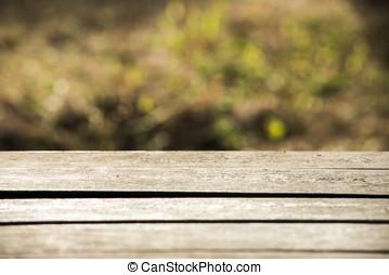 vuoto, tavola legno, con, giardino, bokeh, per, uno, ristorazione, o, sfondo cibo, con, uno, paese, esterno, tema