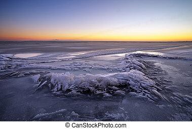 vurig, ondergaande zon , meer, winterlandschap, samenstelling, sky.