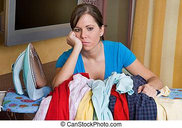 wäschebügeln, frau