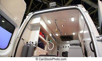 wóz, obejrzany, wyposażenie, przez, drzwi, ambulans, otwarty
