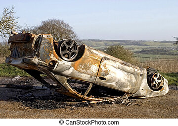 wóz, spalony na zewnątrz