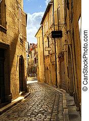 wąska ulica, perigueux