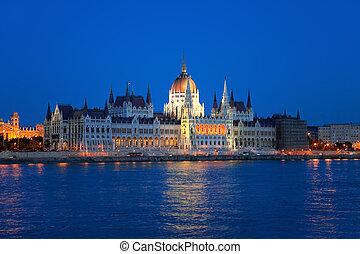 węgierski, parlament, w, budapeszt