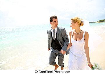 właśnie, para, żonaty, wyścigi, plaża, piaszczysty