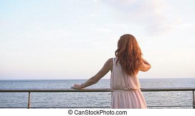 włosy, dziewczyna, spojrzenia, czerwony, ocean
