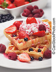 Waffle with fresh fruit and cream