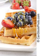 waffle with mixed fruit