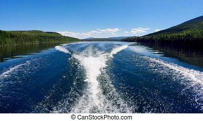 Wake in river 4k - Wake in river on a sunny day 4k
