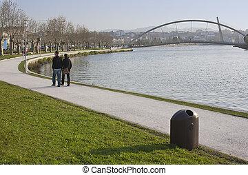 Walk along Lerez river