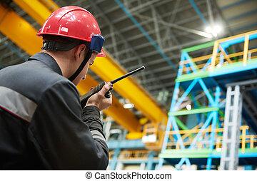 walkie talkie, lavoratore, fabbrica, trasmettitore, industriale