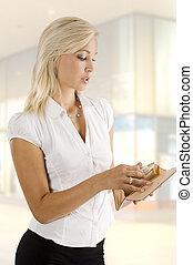 wallet woman