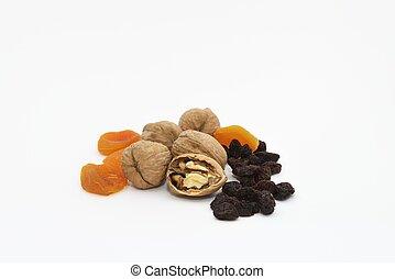 Walnuts, dried apricots and raisins