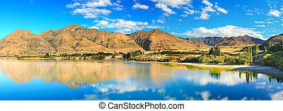 Lake Wanaka at summer sunny day