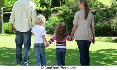 wandelende, aanzicht, achterkant, samen, gezin