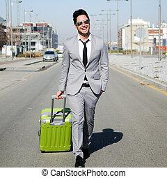 wandelende, geklede, koffer, straat, kostuum, langs, man