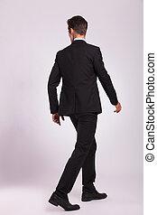wandelende, man, back, zakelijk, aanzicht