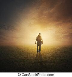 wandelende, ondergaande zon