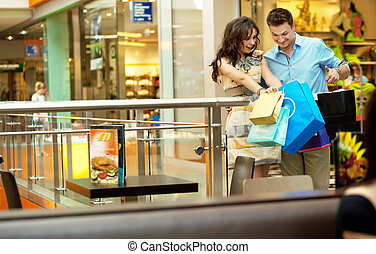 wandelende, shoppen , paar, jonge, doorgang, mooi