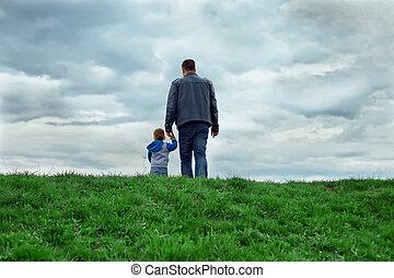 wandelende, vader, zoon, future., achterk bezichtiging