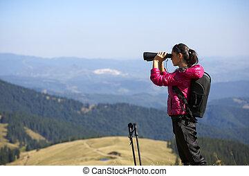 Berg wanderer fernglas spur besitz hübsch. berg wanderer