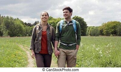 wandern ehepaar, 4, draußen, rucksäcke, glücklich