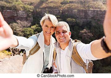 wandern ehepaar, nehmen, selfie, zusammen