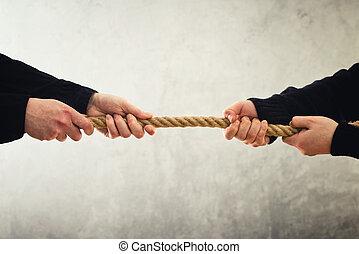 war., opposé, corde, traction, mains, côtés, remorqueur