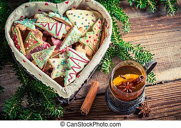 Warming Christmas sweet tea