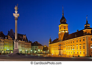 Royal Castle and King Sigismund III Vasa Column by night in the Old Town of Warsaw, Poland.
