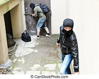 warte, einbrecher, door., tries, eins, sekunde, burglary.,...